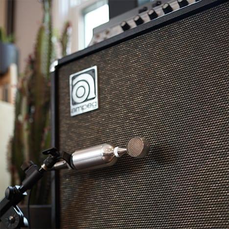 023-BOMBLET-Bass-B15